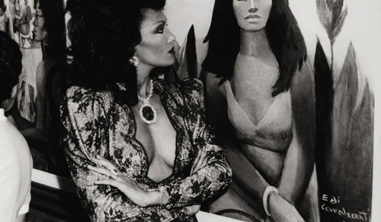 Muse Marina Montini at posthumous exhibit of Di Cavalcanti's paintings of the collection of jeweler Lucien Finkelstein, Rio, 1986