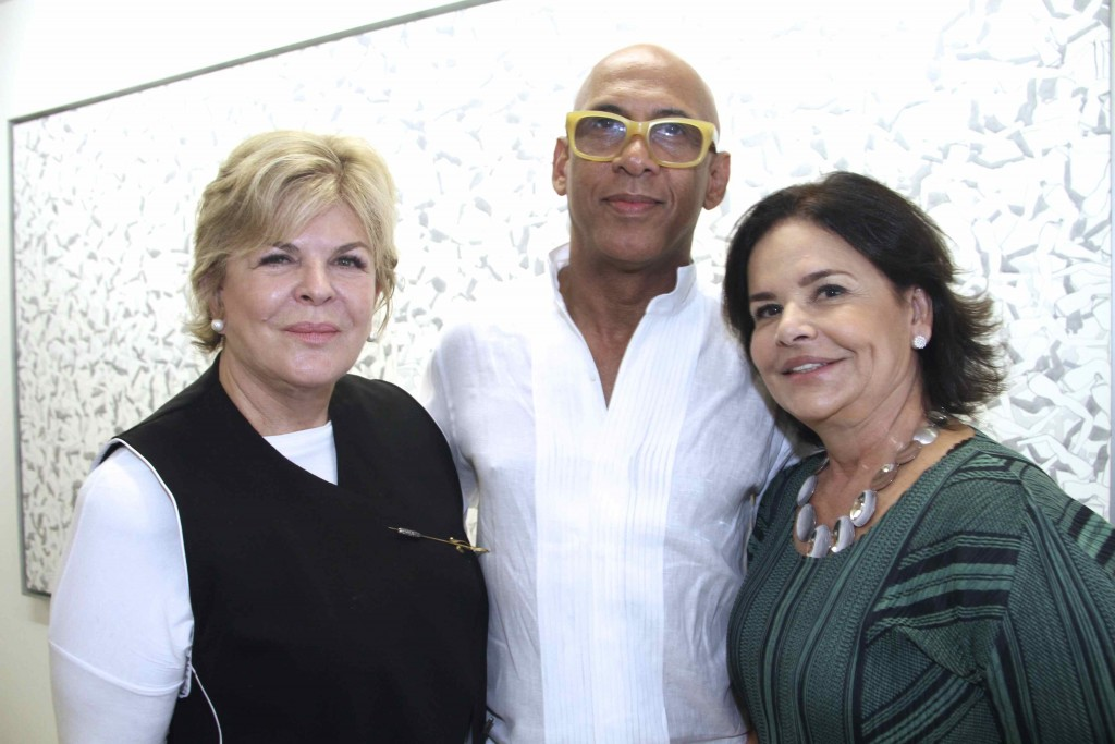 Art patron Ella Fontanals-Cisneros, Cuban artist René Francisco and gallerist Nara Roesler at her HQ in São Paulo/Photo: Denise Andrade