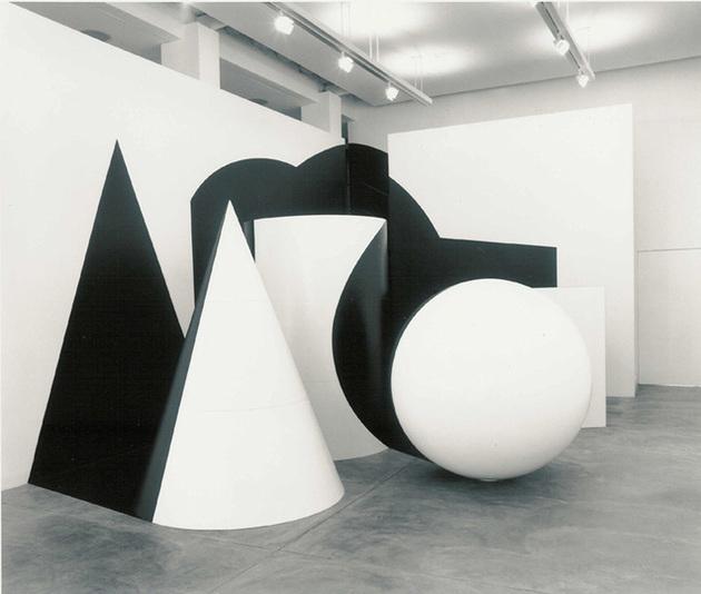 Regina Siveira, The Lesson, 2002/Photo Joao Musa, courtesy Galeria Luciana Brito