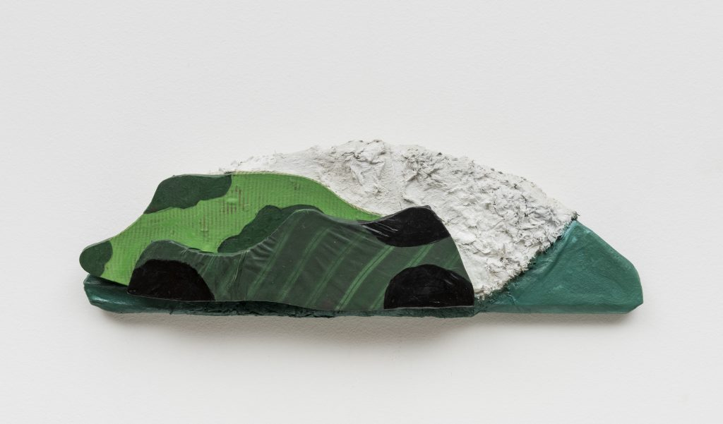 Leda Catunda, Three Mountains II, 1994, Acrylic on fabric, 19 x 60 cm/Photo: Ding Musa