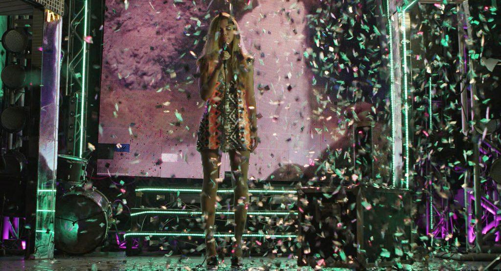 Artista: Barbara Wagner e Benjamin de Burca.Título do trabalho: Estás Vendo Coisas.Data: 2016.Dimensões ou Duração: 15min.Material ou técnica: Vídeo instalação, 4K, HD, cor e som.Local de exposição, data: -.Coleção: -.Cortesia: Solo Shows, São Paulo.Foto: Barbara Wagner e Benjamin de Burca