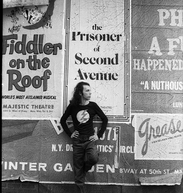 Helio Oiticica at Second Ave, New York, 1970s