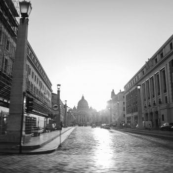 Brazilian photographer Simone Monte Captures Empty Streets of Rome During COVID-19 Lockdown